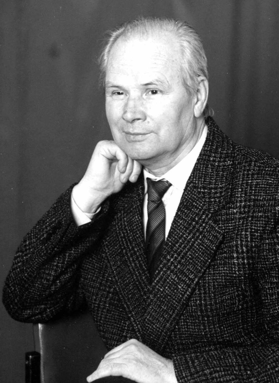 Виктор Полев