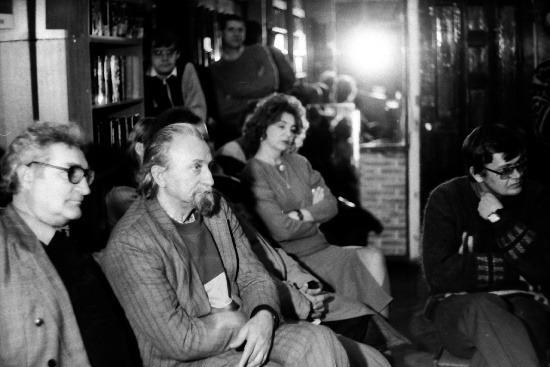 На заседании писательской организации в Тольятти, 1996 г.